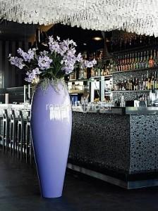 aranjament-cu-flori-artificiale-in-ghiveci