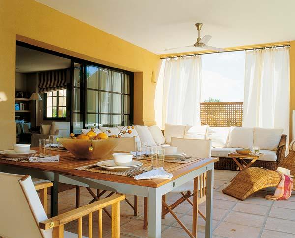 Interior Minion Yellow